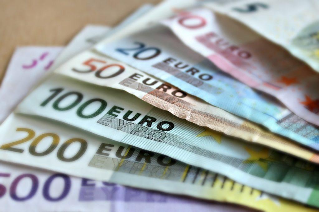 Accordo con Intesa Sanpaolo: in arrivo 100 milioni per le PMI di Confcommercio grazie alla garanzia di FinPromoTer logo
